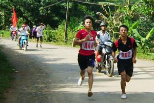 Các VĐv thi đấu tại nội dung nam chính dài 6km.