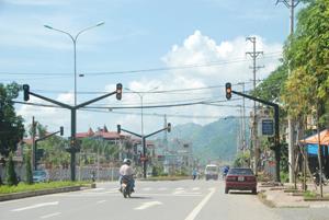 Cơ sở vật chất của thành phố được đầu tư khang trang. ảnh chụp tại đường Thịnh Lang - TPHB.