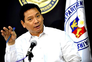 Thứ trưởng Ngoại giao Philippines Esteban Conejos.
