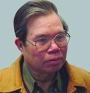 Nhà văn Ma Văn Kháng...