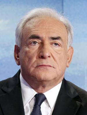 Strauss-Kahn yêu cầu tòa án New York bác bỏ vụ kiện với cô hầu phòng.