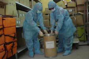 Trung tâm YTDP tỉnh chuẩn bị đầy đủ chloramin B, sẵn sàng đáp ứng trong mọi tình huống.