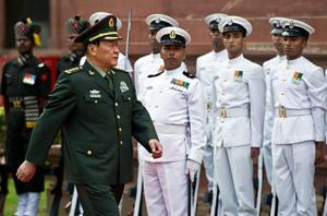 Bộ trưởng Quốc phòng Trung Quốc Lương Quang Liệt trong chuyến công du Ấn Độ.
