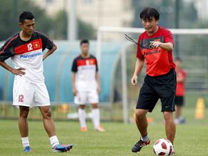 HLV Phan Thanh Hùng đối mặt nhiều khó khăn (Ảnh: Gia Hưng)