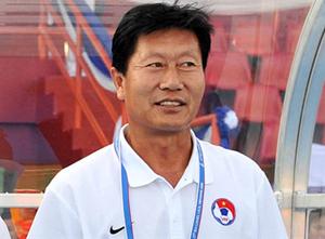 HLV trưởng ĐTVN Trần Vân Phát.