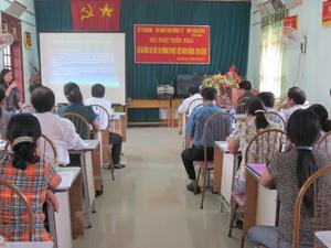 Ban điều hành dự án giới thiệu kế hoạch hoạt động của dự án Rửa tay với xà phòng vì một Việt Nam khỏe mạnh.
