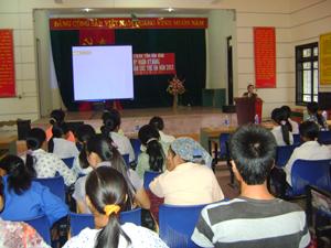 Lớp tập huấn, tư vấn kỹ năng bảo vệ chăm sóc trẻ em tại xã Phú Thành – Lạc Thủy.