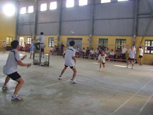 Giải vô địch cầu lông – tennis huyện Tân Lạc diễn ra vào cuối tháng 8/2012 thu hút đông đảo VĐV tham gia.