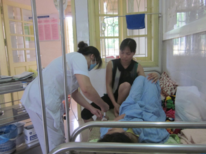 Được cấp cứu, điều trị kịp thời tại Bệnh viện Đa khoa tỉnh, sức khỏe bệnh nhi viêm màng não đã ổn định.
