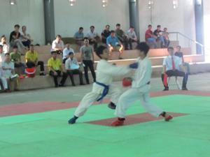 Trận đấu của 2 VĐV đội Cao Phong.