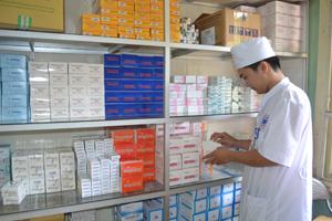Khoa Dược, Bệnh viện Đa khoa thành phố Hòa Bình đã bắt đầu nhập thuốc theo danh mục kết quả đấu thầu tập trung.
