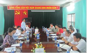 Đồng chí Nguyễn Ngọc Gắn, Phó Ban Pháp chế (HĐND tỉnh) chủ trì cuộc khảo sát.
