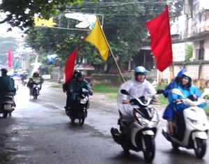 ĐV-TN TP. Hòa Bình tham gia diễu hành hưởng ứng chiến dịch làm cho thế giới sạch hơn năm 2013.