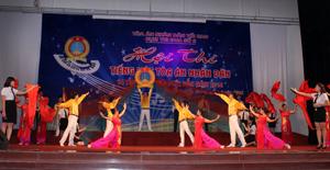 Tiết mục xuất sắc được lựa chọn trong đêm công diễn của TAND tỉnh Hoà Bình.