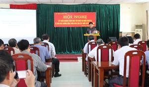 Đồng chí Nguyễn Văn Dũng, Phó Chủ tịch UBND tỉnh phát biểu tại hội nghị tập huấn.
