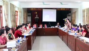 """Dự án """"Tăng cường sự tham gia của phụ nữ trong chính trị"""" do Hội LHPN tỉnh phối hợp với Trung tâm hỗ trợ giáo dục và nâng cao năng lực phụ nữ được cấp ủy, chính quyền và các cấp Hội Phụ nữ quan tâm, tham gia tích cực trong các chương trình hội thảo."""