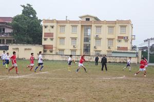 Giải bóng đá tiểu học - THCS thành phố Hòa Bình năm học 2013 - 2014 thu hút 100%  các trường trên  địa bàn tham gia.
