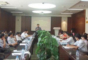 Lãnh đạo Sở Y tế phát biểu tại hội nghị.
