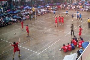 Một trận đấu trong giải.