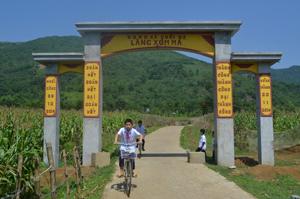 """Gắn CVĐ """"Toàn dân đoàn kết xây dựng ĐSVH ở KDC"""" với phong trào xây dựng NTM đã mang lại diện mạo mới cho nông thôn trên địa bàn huyện Kim Bôi."""