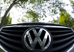 Logo của hãng Volkswagen. (Ảnh: Reuters).